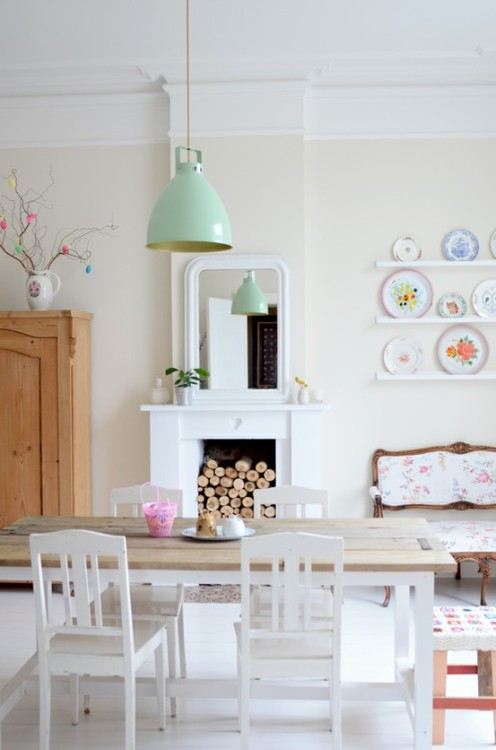 pastels shabby (via Living)