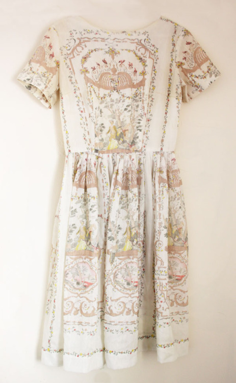 caitlinmarieshearer:  Versailles A vintage 1950's dress that i sold on ebay - am dreadfully regretting that decision.  I have a dress quite similar to this one (I adore it!) It's on my 'unsellables (mental) list'The regret of selling it would be too much to handle!