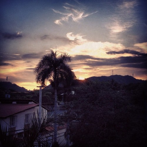 #photoadayapril #challenge #15 SUNSET: Suburbia.  (Taken with instagram)