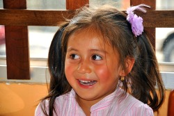 beautiful little girl - Ecuador  >  http://kommaar.tumblr.com/ photo by wmh1961