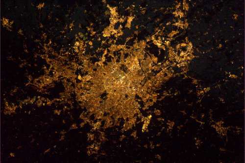 Paris by night, 6 February 2012, 23:03, via André Kuipers NASA/ International Space Station // instellation:absurdlakefront
