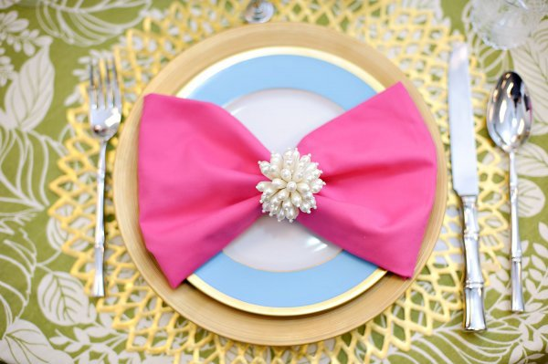 Wedding Wednesday adorable table setting!