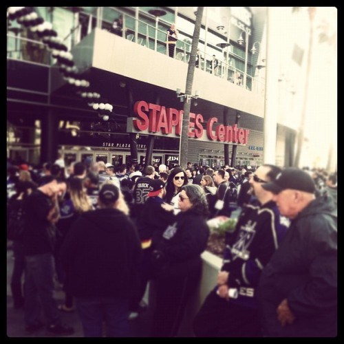 lakings:  1.5 hours #VanLAK (Taken with Instagram at STAPLES Center)  what a sight to see.  i miss this a lot