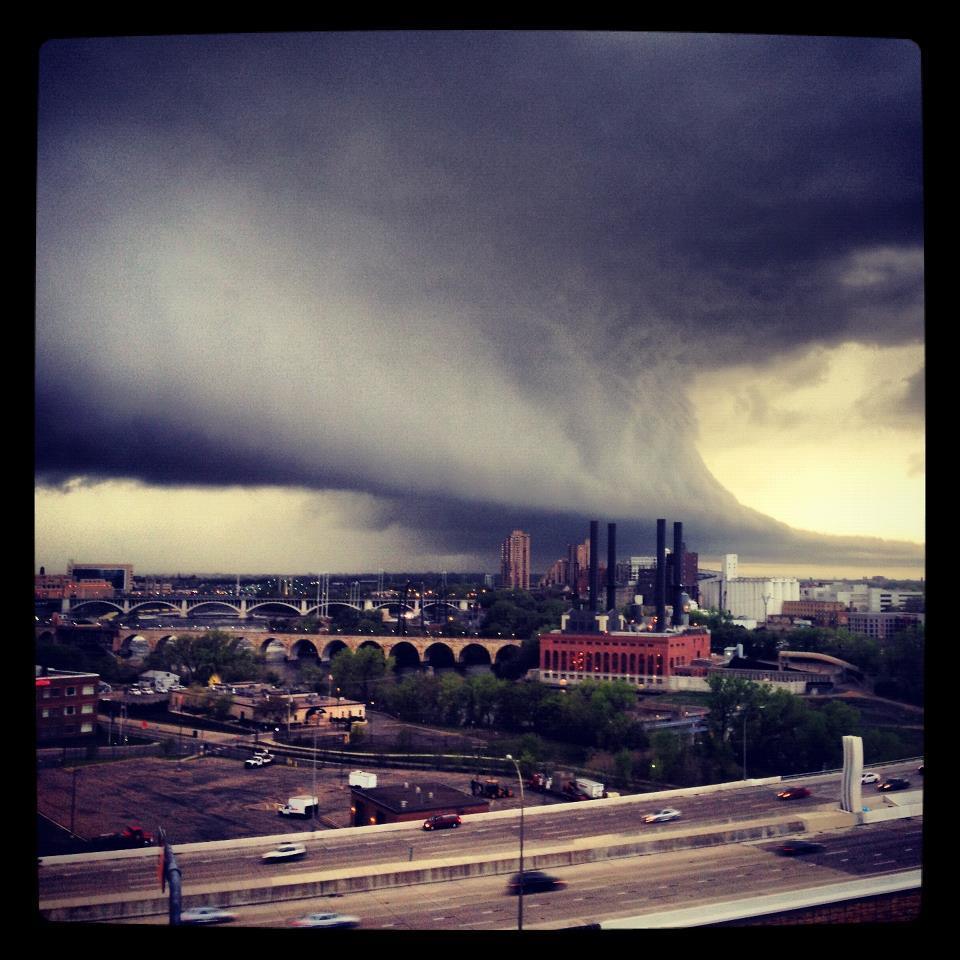 stuffaboutminneapolis:  Storm Approaching Minneapolis Today by WCCO's Facebook