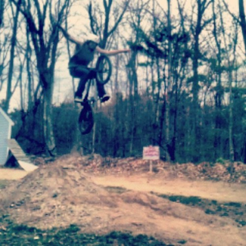 brandonpickett:  #biking #bmx #tucknohander #fun (Taken with instagram)