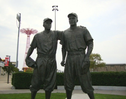 Today the MLB honors Jackie Robinson. A hero, a legend, a superb athlete but most importantly, a noble man who made a difference by simply being himself.