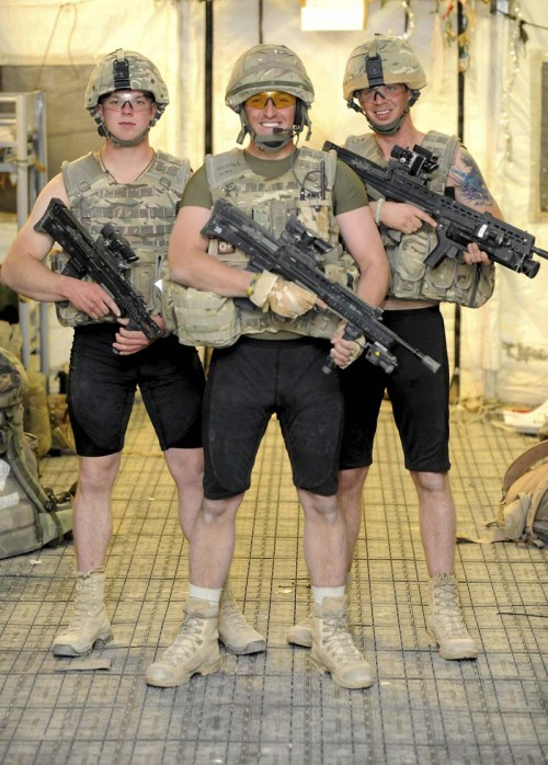 gunsandposes:  Ballistic underwear. (Tech News Daily)