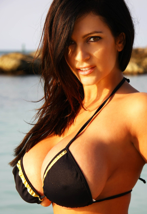 If you follow/are a fan of my page, yes I love me some Denise Milani…