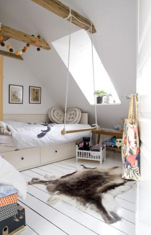 Source: Living Agency Cute kids room. I love the swing bar.