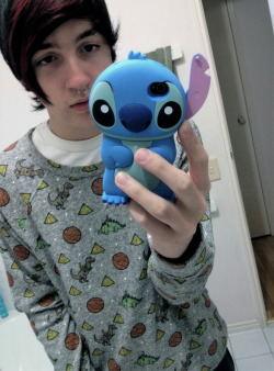 im inlove with stich, he is perfect.