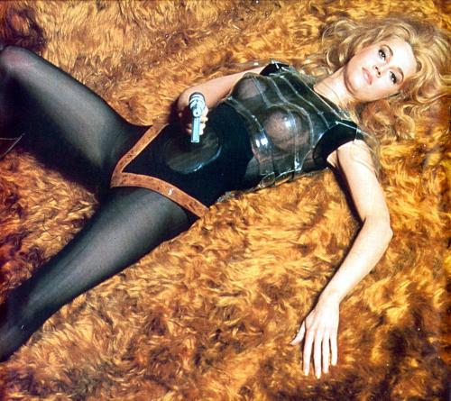 gunsandposes:  Jane Fonda as Barbarella.