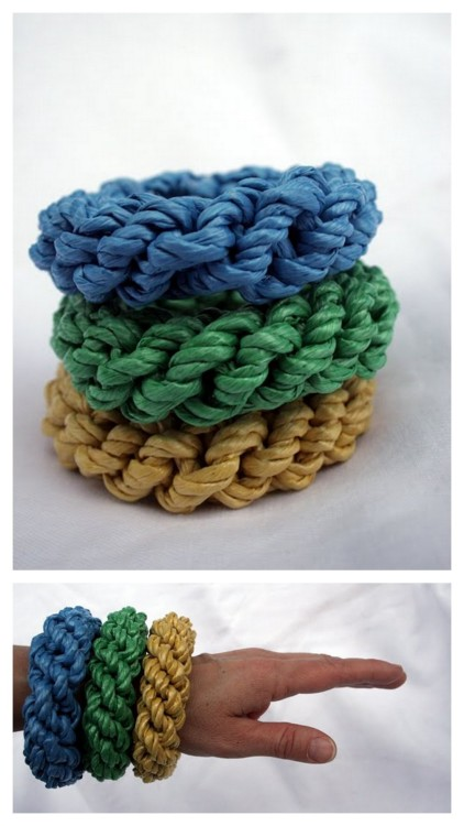 DIY Graziano Inspired Straw Bangles Made from Dollar Store Poly Rope. Tutorial from Bromeliad here.