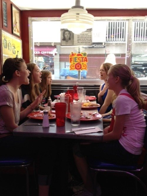 Impromptu sing-along at The Stardust Diner