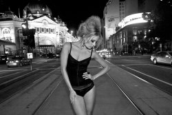 (via Bellechasse, Night on the Town by Peter Coulson > photo 1844135 > fashion picture)