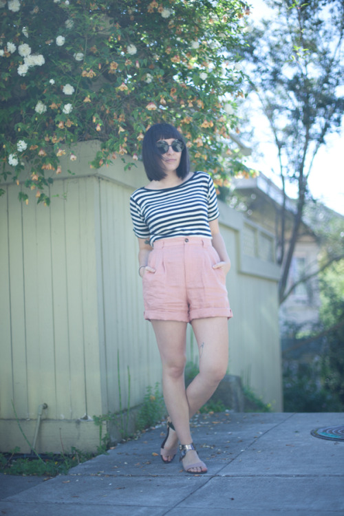 calivintage:  new outfit post is up. feeling very beach in a stripey shirt and linen shorts. you can click through for more photos and outfit details!