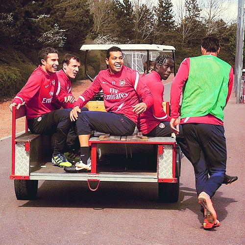 From Andre Santos on twitter Chamakh being left behind as usual!