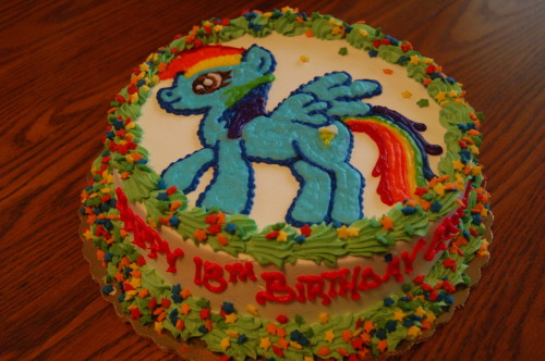 bronycurious:   My 18th Birthday Cake. Made by my lovely mother. My birthday cake is about 20% cooler than the average cake.  HOLY SHIT JELLY