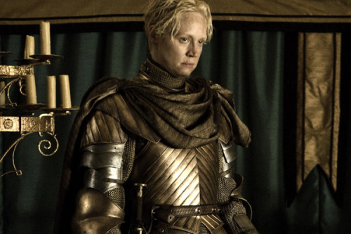 Aaahhhh Brienne is perfect in S2! So tall and stoic and awesome. I love this character wehh ;;;