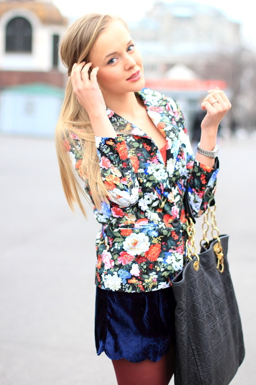"pretaportre:  Darya Kamalova from Cab.Look in ""Flower Power"" wearing a Romwe jacket, Virgos Lounge shorts, Stradivarius top, and Dior bag."