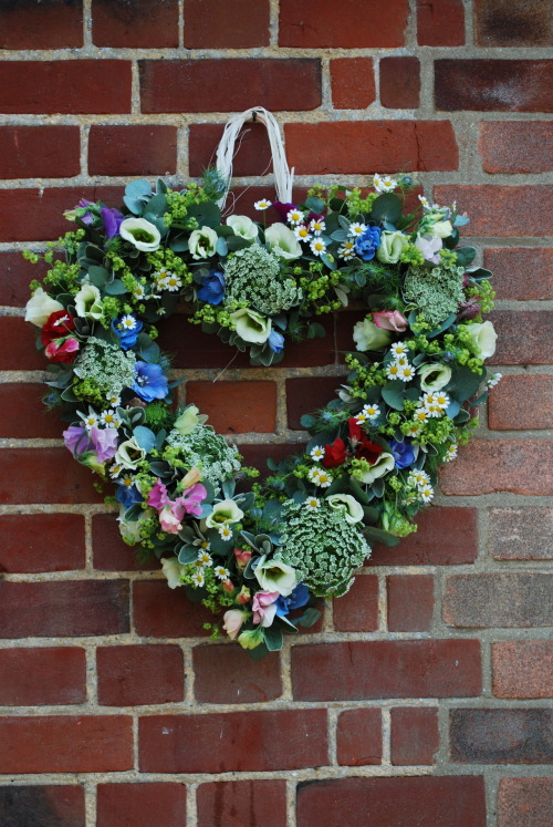 Wedding flower heart decoration