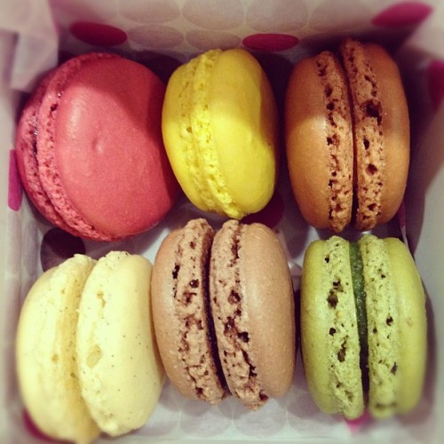 first time for macaroons! | #food, #macaroons (Taken with instagram)