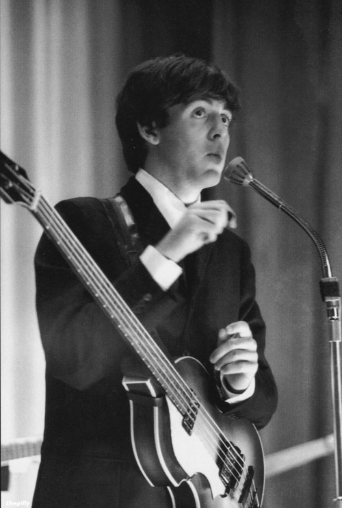 Paul at the Manchester Apollo, 20 November 1963. Photo by Terence Spencer.