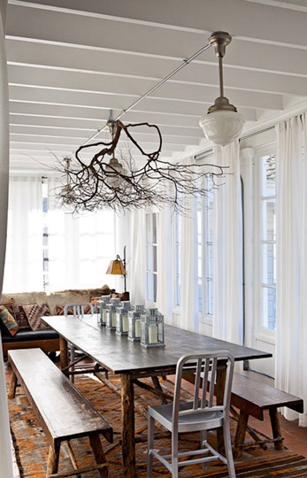 cardboardboxcastle:  I'm so in love with tree branch chandeliers…