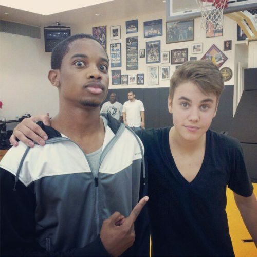 """I ain't shit…… YET! Hoopin with @JustinBieber"""
