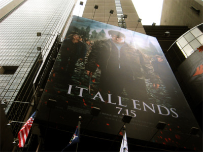 this-is-slytherin:  Building film poster on 33rd Street and 9th Avenue in New Yourk City