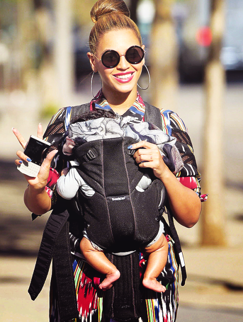 "notnadia:  moribundslut:  lizdexia:   ""I had to get Blue Ivy out of the house. Kanye showed up at like 6am wearing a bathrobe and two pairs of sunglasses, ranting about how Game of Thrones was guilty of copyright infringement because he thought he'd gotten a copyright on the word 'Throne…' I don't.. I don't even recognise my life anymore.""  I like to imagine that in the sitcom that is Jay and B's life, Kanye is basically Roger from Sister, Sister.   #""GO HOME KANYE""  I have nothing to add to this.  She should get the Ergo.  Much more comfortable for the baby and the fabric and straps are also much softer, making it easier for the parent wearing it."