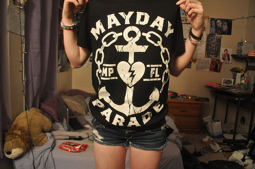 reblawging:  cuddlinqliam:  shamel3ss:  forever reblog mayday parade ily  mayday parade is the b e s t   Favorite band omfg
