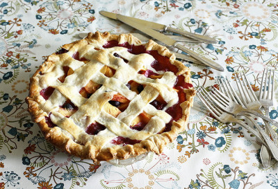 laureel:  pie by Amy Merrick on Flickr.
