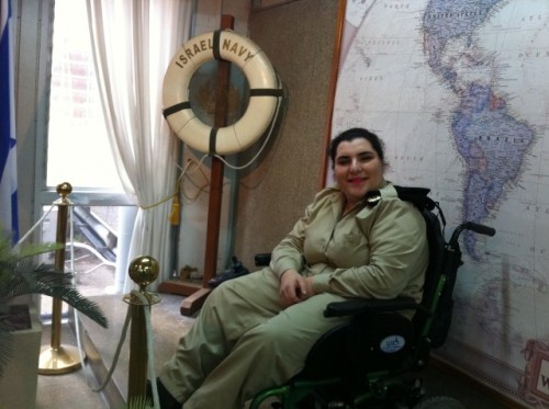 vshavubanim:  This is Private Dina Elaiv She is a soldier in the IDF. Dina has cerebral palsy and is in a wheelchair. She was exempt from serving in the army but she said she 'was determined to show them that (she) could be a part of the IDF and serve (her) country. What an incredible person http://www.idfblog.com/2012/04/16/volunteeringintheidf/