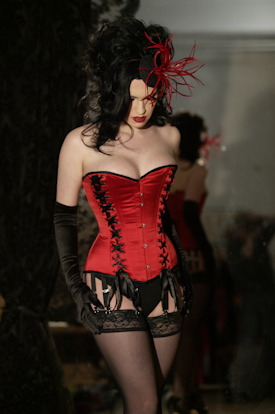 hourglass-silhouette:  Ava Dvornik for Rawhide Corsets.   O Daddy! This one is really really pretty!