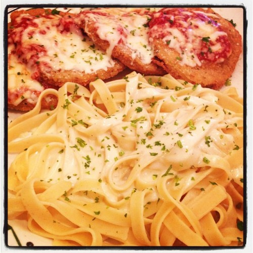 #OliveGarden #food #fettucini #alfredo #pasta #italian #parmesan #eggplant #food #yum  (Taken with Instagram at Olive Garden)