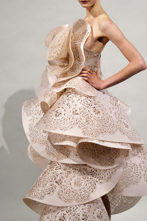 Marchesa Spring 2011 RTW (via Vogue)