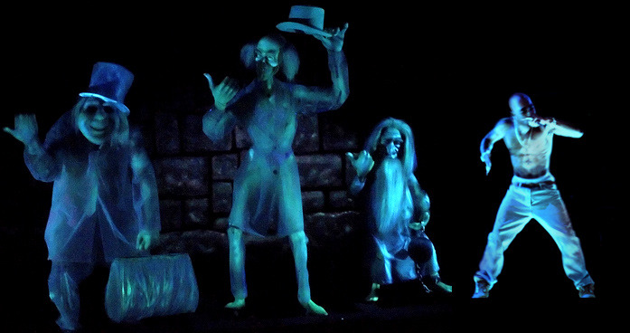 somethingsavage:  Check out this new addition to the haunted mansion at Disney World.  Dan wins the internet