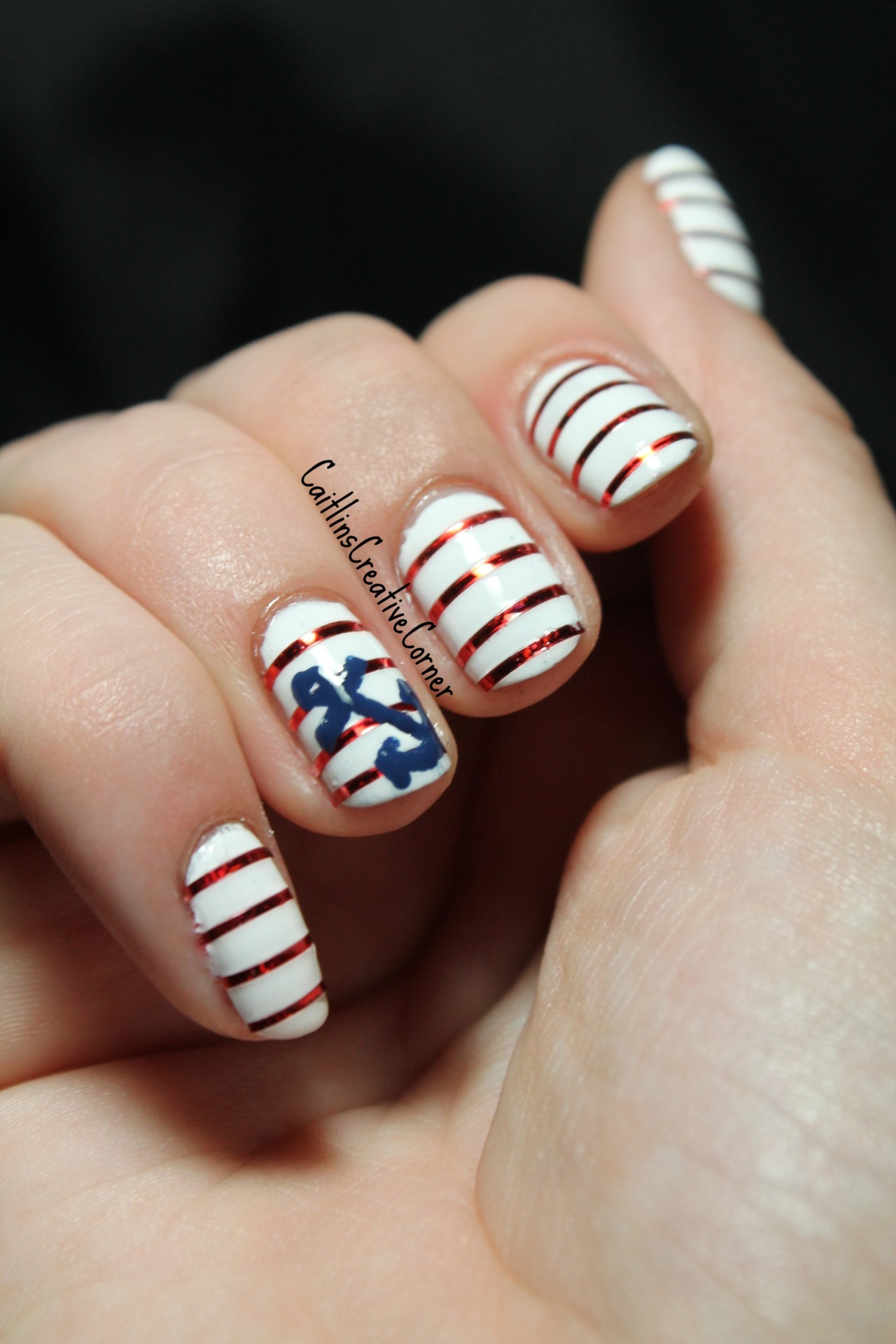 caitlinscreativecorner:  Nautical Nail Art