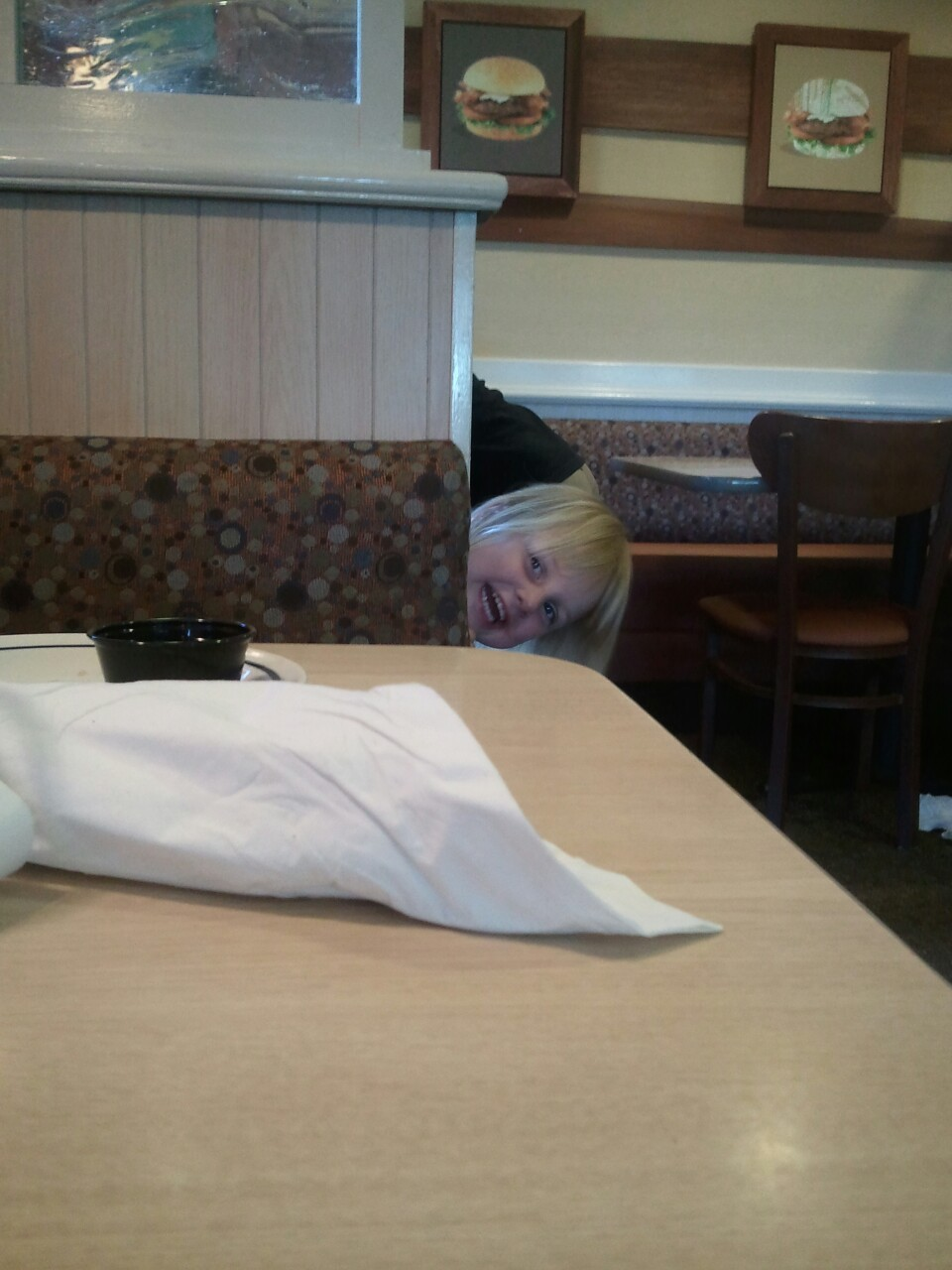 edward-the-cat:  This girl was tormenting me at iHop while I was trying to eat my eggs. Bitch.  lmfaooooo