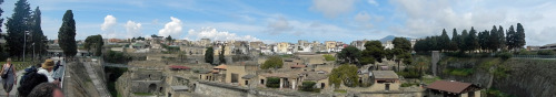 A trip to the ancient city of Herculaneum, next to Pompeii