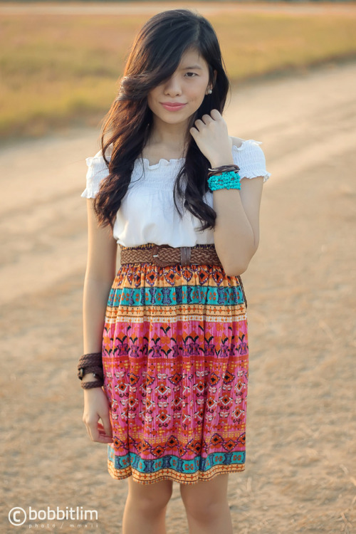 zabischic:  bobbitlim:  Aztec-Inspired Boho Style for Summer 2012 Model, Stylist & HMUA: Zab Trinidad (zabischic.tumblr.com)  Photo & Art Direction by Bobbit Lim (bobbitlim.tumblr.com) Hype this look on Lookbookhttp://lookbook.nu/look/3335891-AZTEC-FOR-SUMMER     Natuwa naman ako ang sikat na blogger na si BEBEN-ELEBEN nilike ang picture ko. Ako na ang mababaw.