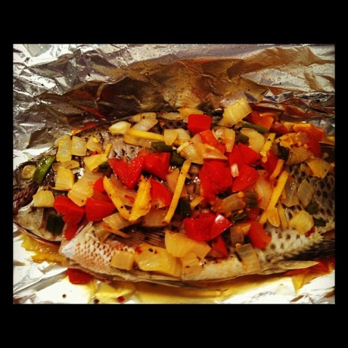 Some kind of tilapia cooking i did sometime holy week.. #cooking #baking #dinner #goodfood #bonappetite #holyweek #tilapia #seafood (Taken with instagram)
