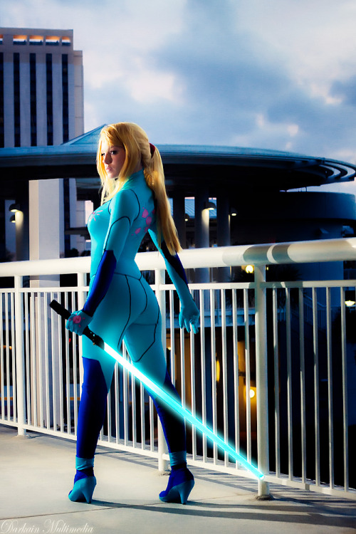 cosplayblog:  Samus Aran (Zero Suit version) from Metroid  Cosplayer: TheBird-TheBeePhotographer: Darkain Multimedia