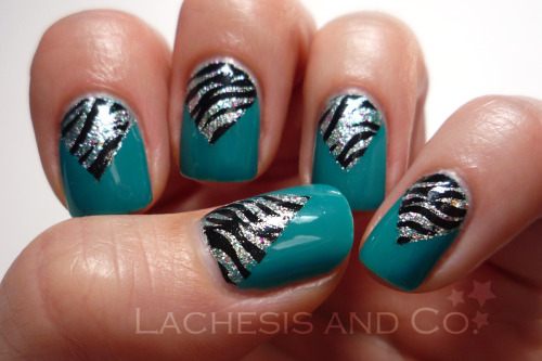 Zebra & Glitter V-gaps Inspired by these two amazing manis: leopard chevron and glitter v-gap from Nailside. OPI Fly China Glaze Polarized Konad Special Black Konad plate m69