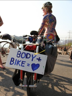 tea-bicycleandglasses:  Body + Bike = ♥