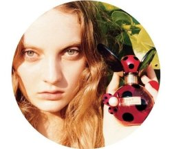 New perfume alert! Dot by Marc Jacobs is out in summer time and fear not it will be on Yipiii where you can win it for £1, double Yipiii!!! Read what PrettyP has to say about the fragrance in her blog and we agree with her, it looks rather like a ladybird. Perfume bottles are getting more attention than the actual perfume these days, fair play to them.