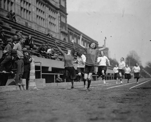 George Washington inter-class track meet at Central, April 18, 1925