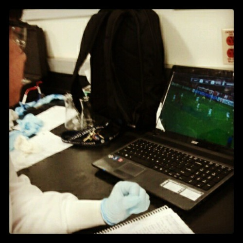 Wow..watching soccer in lab -_- #ochem #multitasking  (Taken with instagram)
