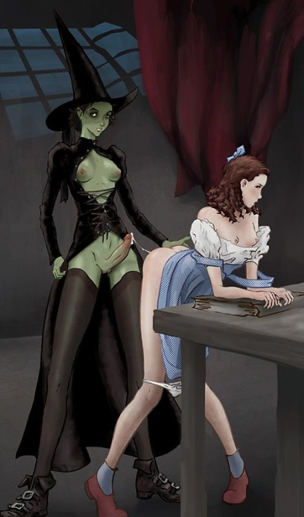 Wicked Witch cums inside Dorothy!