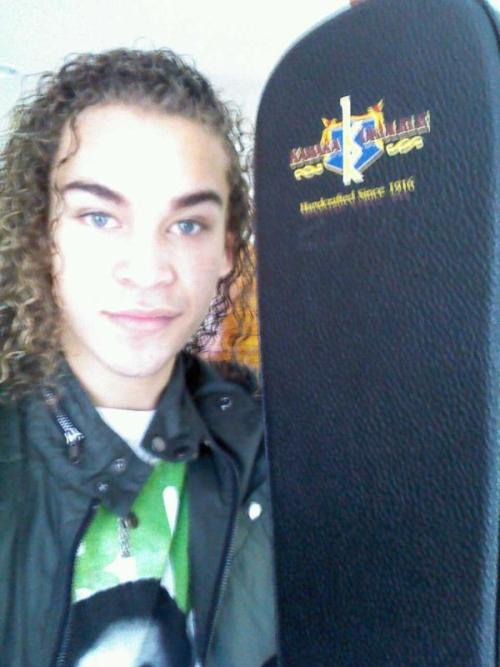 DeAndre Brackensick and his new ukulele case from Kamaka Ukulele.  Lovin my new case from Kamaka Ukulele:) much love!:) thank you:) twitter.com/BrackensickAI1… — DeAndre Brackensick (@BrackensickAI11) April 17, 2012